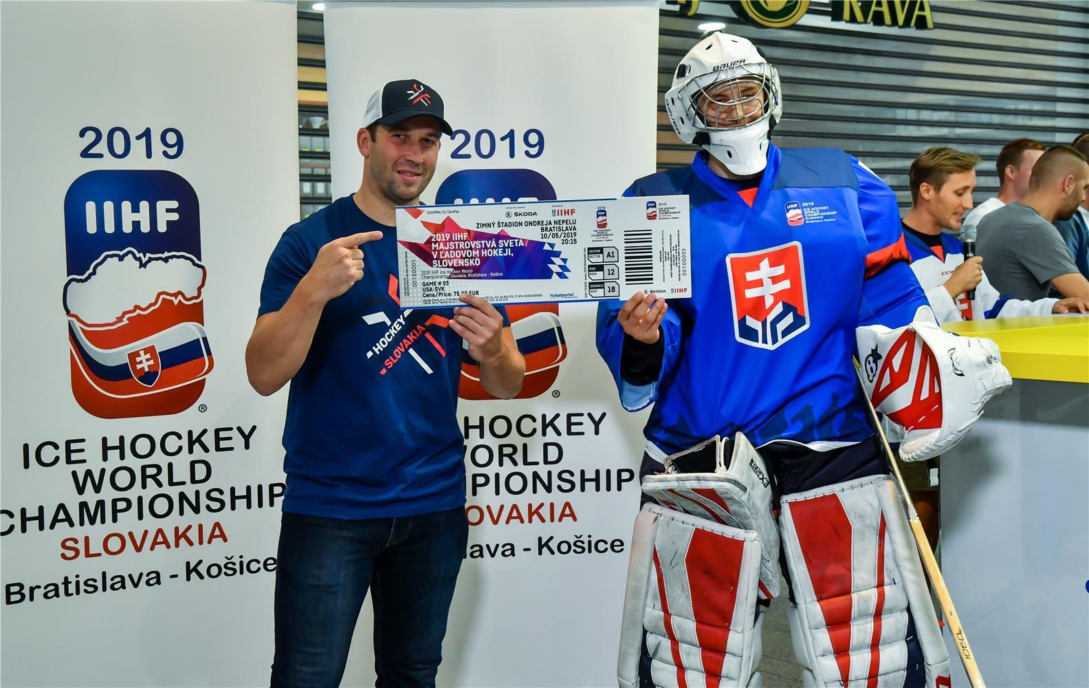 de9fd217c Lístky na 2019 IIHF MS v ľadovom hokeji sú už v predaji: Prvá vstupenka pre  brankára Jána Laca