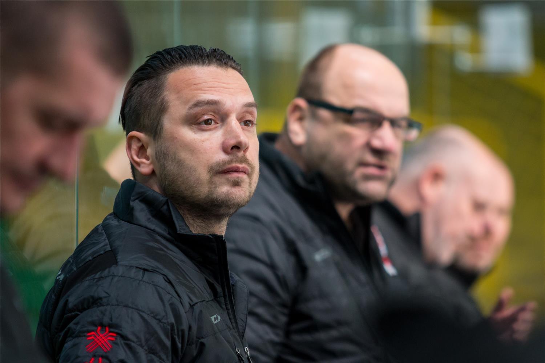 f151f3a47 BRATISLAVA (SZĽH) – Slovenská hokejová reprezentácia do 18 rokov po prvom  prípravnom zápase proti Rakúsku (prehra 2:3) aj naďalej pokračuje v príprave  na ...