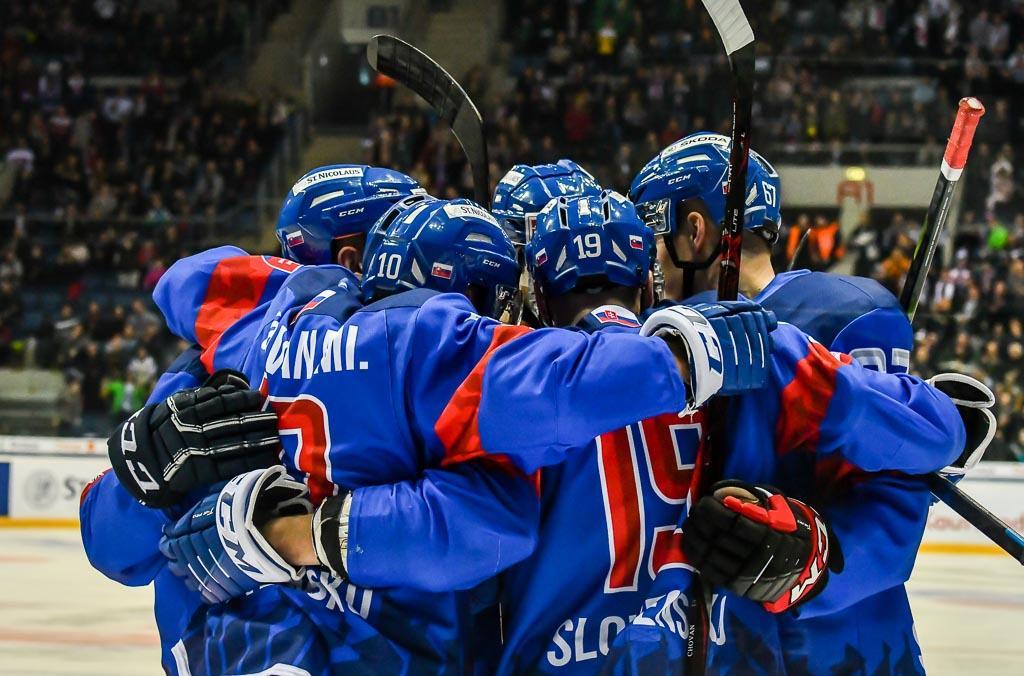 38015710a BRATISLAVA (SZĽH) - Slovenská hokejová reprezentácia pokračuje v príprave  ...