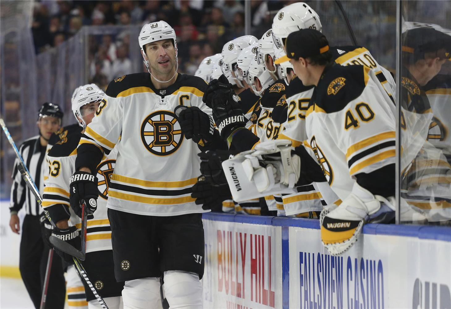 71ad14223b742 BOSTON 17. júna (SITA) - Zdeno Chára vedel, že hokejisti Bostonu majú  najlepších fanúšikov, ale neuvedomoval si to, až kým sa nepostavil pred  nich pred ...