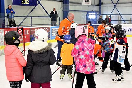 Igor Liba sa netlačí do veľkého hokeja, ale môže byť vari niečo väčšie ako pripravovať novú generáciu pre veľký hokej? Foto Jozef Svoboda