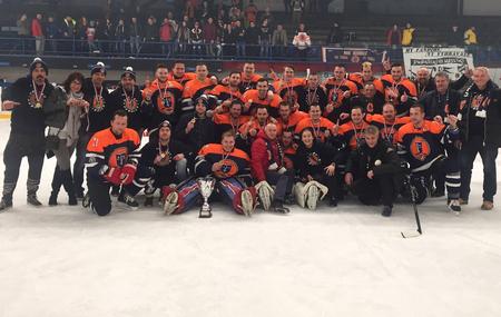 Hokejisti MHK Dubnica - víťazi 2. ligy po víťaznom  zápase s Humenným  na neutrálnom ľade v Liptovskom  Mikuláši, foto mhkdubnica