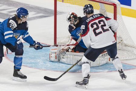 e8bfc509db9ec Peter Cehlárik strieľa Fínom prvý gól, foto SITA/AP/Canadien Press