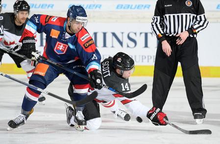 http://www.hockeyslovakia.sk/userfiles/image/documentImage/image/suboj-dvoch-strelcov-bolov-kudrnu-a-kanadana-scotta-foto-city-press.jpg